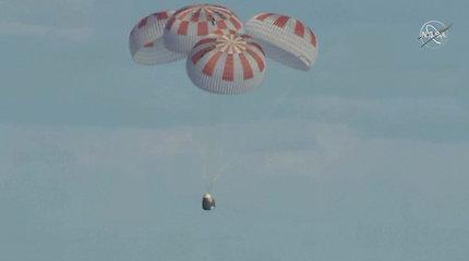 Misija baigta sėkmingai: JAV vėl turi kosminę transporto priemonę žmonėms