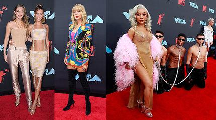 MTV apdovanojimų svečių stilius: apnuoginti kūnai ir fetišistiniai motyvai