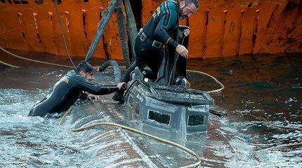 Istorinė operacija prie Ispanijos krantų: sulaikytas povandeninis laivas gabeno 100 mln. eur. vertės kokainą