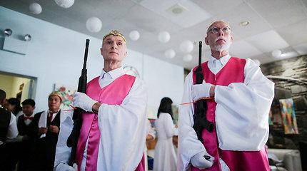 JAV Susivienijimo bažnyčioje vyko  AR–15 šautuvų šventinimo ceremonija