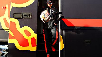 """Maxas Verstappenas išbandė naująjį """"Red Bull Racing"""" komandos bolidą"""