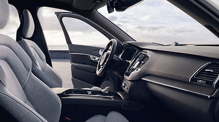 """Atnaujintas """"Volvo XC90"""" ne tik su daugiau funkcijų, bet ir erdvės galimybių"""