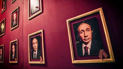 """Berlyne sukurtas M.Davydovos spektaklis """"Amžinoji Rusija"""" atvyko į Vilnių"""
