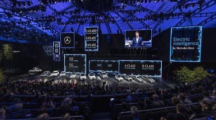 """Pristatyti """"Mercedes-Benz"""" automobiliai"""