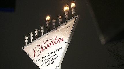 Švenčiant žydų Chanuką Vilniuje uždegta Didžioji Menora