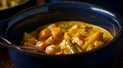 Šildanti ir nuotaiką gerinanti kalafiorų sriuba su indiškomis natomis