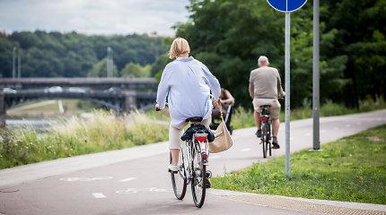 Seimas ketina spręsti dėl dviratininkų liemenių ir žibintų
