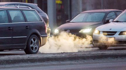 Analitikai: automobilių taršos mokestis gali suaktyvinti prekybą metų pabaigoje