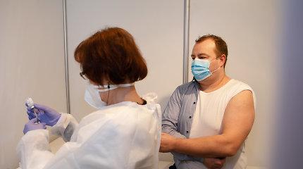 Nuo COVID-19 pradedami skiepyti senjorai, Kaune vakcinų poreikis – milžiniškas, būta net sukčiavimo atvejų