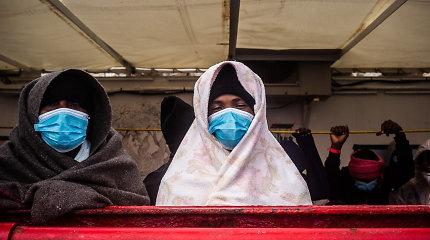 Prie Kalifornijos apvirtus migrantus gabenusiam laivui žuvo trys žmonės, 27 hospitalizuoti
