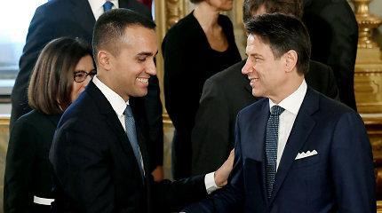 Romoje mirė populistai? Tegyvuoja rausvai pasidažę populistai!