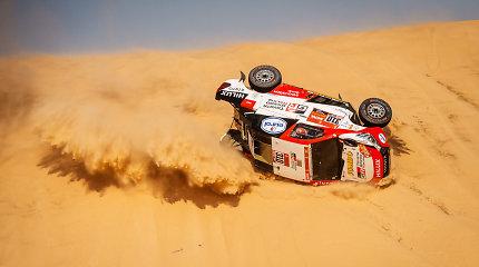 Pamatykite: labiausiai įsiminusių Dakaro automobilių įskaitos avarijų TOP5