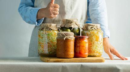 2 lengvai pagaminamos mišrainės atsargoms: sunaudosite cukinijas, paprikas, obuolius ir morkas