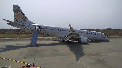 Aukštasis pilotažas: lakūnas nutupdė lėktuvą be priekinių važiuoklės ratų