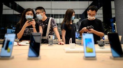 """Liūdnos žinios """"Android"""" gerbėjams: brangūs telefonai brangs, o pigiesiems gresia išnykimas"""