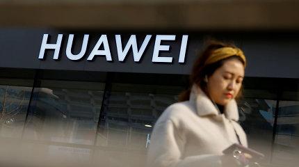 """Išmaniųjų telefonų pardavimai: smukimui pasaulyje atsparūs tik """"Huawei"""""""