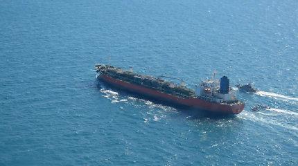 Pietų Korėjos minininkas atplaukė į vandenis, kur Iranas sulaikė jos tanklaivį