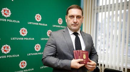 Kauno policija sudavė smūgį kelioms nusikaltėlių grupėms: rasta 50 padirbtų dokumentų