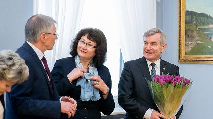 Seimo vadovybės reprezentacija: beveik 30 tūkst. eurų priėmimams, dovanoms, gėlėms, užuojautoms
