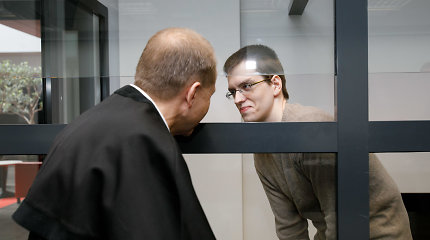 Taškas nepadėtas: įtariamą kaimynių žudiką K.Neorą vėl tirs psichiatrai, aukų kūnai nerasti