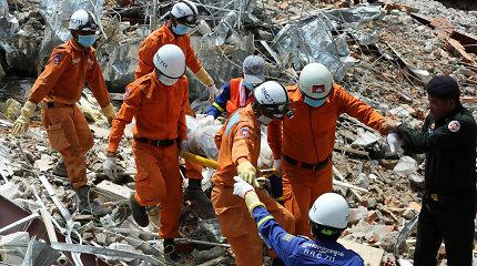 Kambodžoje sugriuvusiame pastate rasti dar du gyvi likę žmonės