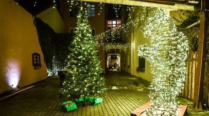 (Ne)matomame istoriniame Vilniuje – paskutinės netrukus užgesiančių kalėdinių puošmenų paieškos