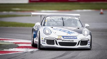 """Jonas Gelžinis """"Porsche Carrera Cup GB"""" kvalifikacijoje užėmė antrą vietą"""