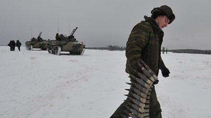 Rusijos kariuomenei kuriamas egzoskeletas, leisiantis kariui pakelti iki 100 kg