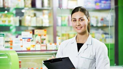 Seimo nariai siūlo leisti vaistininkams užsiimti skiepijimu