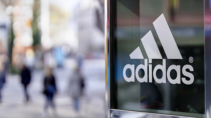 """""""Adidas"""" pelnas pernai susitraukė 78 proc."""