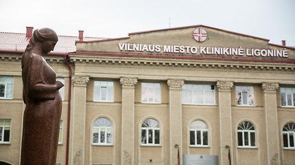 Naujų COVID-19 atvejų Lietuvoje pamažu daugėja, bet ministras ramina: plinta židiniuose
