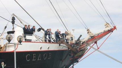 Estija ir Lenkija atsisakė įsileisti rusų laivą dėl jame buvusių Krymo kariūnų