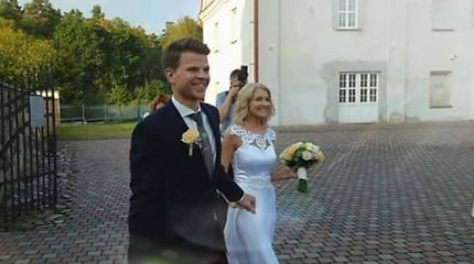 """Buvusi """"Studenčių"""" narė Ieva Šimkonytė ištekėjo už Ryčio Vaitiekūno"""
