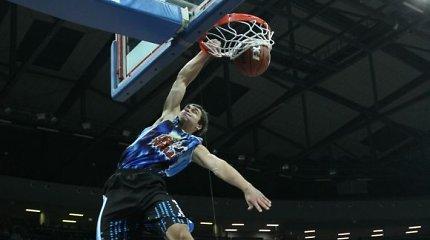 Vaidotas Volkus prie trečiosios klubo pergalės Rumunijos krepšinio lygoje prisidėjo 15 taškų