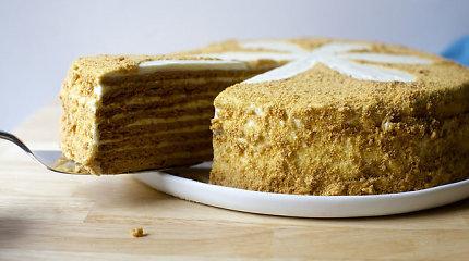 Nemari klasika – medaus tortas: klasikinis receptas, pagal kurį visada pavyks