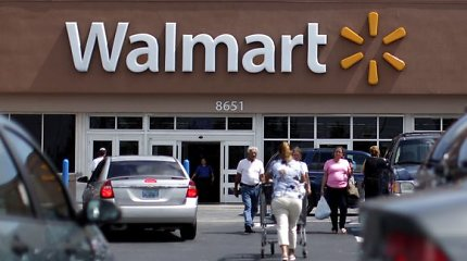 """Wal-Mart"" rengiasi trauktis iš Japonijos rinkos"