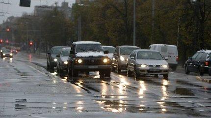 Penktadienio rytą vairuotojus pasitiko dulksna