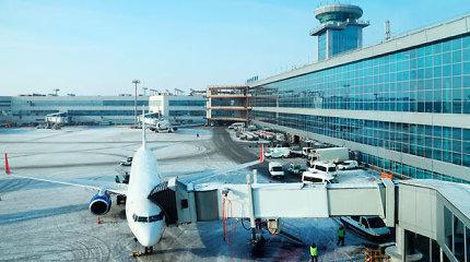 Maskvos oro uoste ugniagesių automobiliui įsirėžus į pėsčiuosius žuvo žmogus