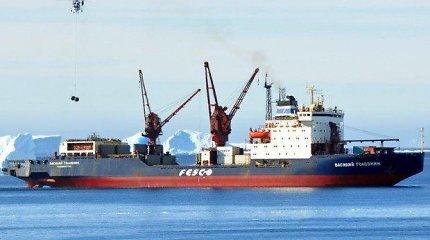 Iš Antarkties plaukiančiame Rusijos ledlaužyje mirė du įgulos nariai