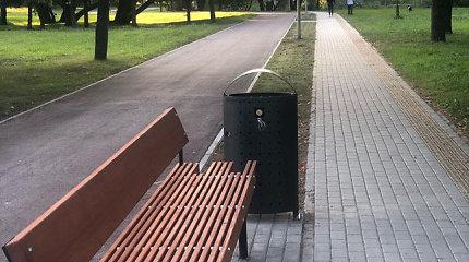 Inovatyvius dviračių stovus Klaipėdoje užblokavo šiukšlinės