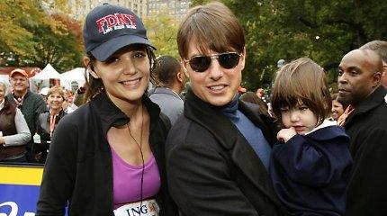 Katie Holmes ir Tomo Cruise'o dukrai Suri – 14 metų: kaip augo ši aktorių atžala?