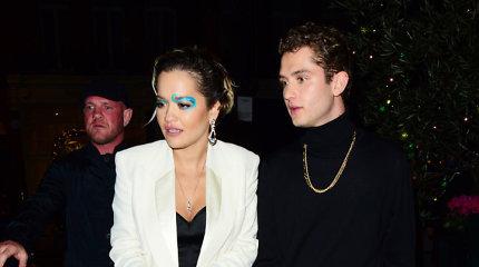 Dainininkė Rita Ora su aktoriumi Rafferty Law