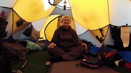 Dėl įvykusios ant Everesto kalno tragedijos nutraukta ir lietuvių alpinistės Editos Nichols ekspedicija į Lotsės viršūnę