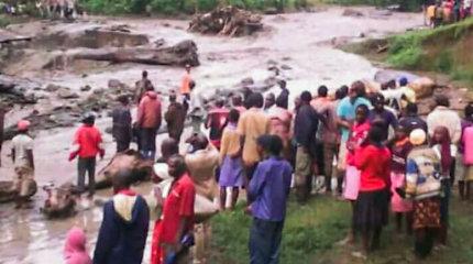 Nesiliaujančios liūtys Ugandoje jau nusinešė 22 žmonių gyvybes