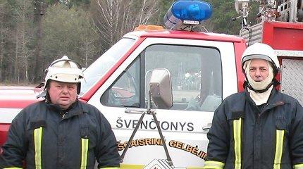 Pabradėje degė namas, jo savininkas po gaisro turi progą švęsti antrą gimtadienį