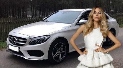 """Simona Starkutė pasipiktino komentarais apie vyrų jai perkamus automobilius: """"Pavydas jus visus suės"""""""