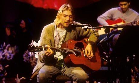 """Kadras iš koncerto/Kurtas Cobainas iš grupės """"Nirvana"""""""