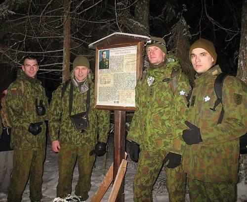 Dzūkijos nacionalinio parko nuotr./Naktinis žygis prie partizanų vado Kazimieraičio žeminės
