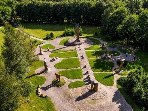 Kretingos rajono turizmo informacijos centro nuotr./Kretingos dvaro parko astronominis kalendorius