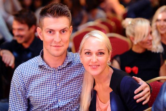 Luko Balandžio/Žmonės.lt nuotr./Mantas Stonkus su žmona Indre